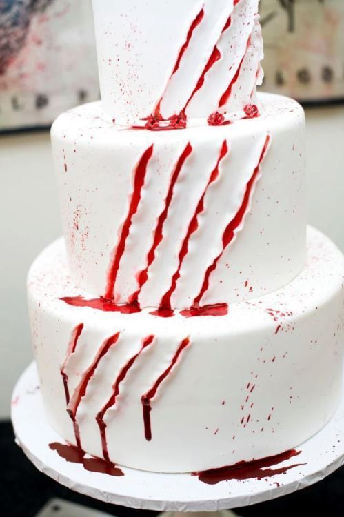 Slasher horror cake for a Halloween wedding