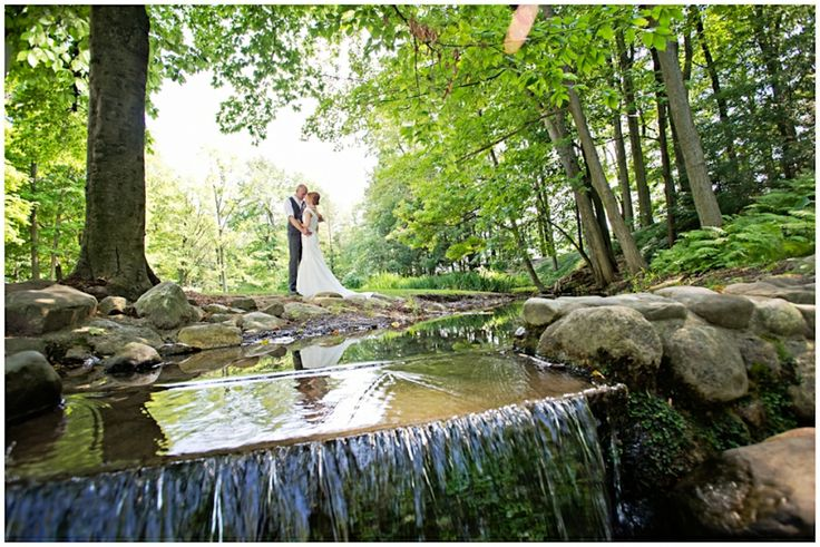 Grand Rapids Michigan Wedding | Destination Wedding Photography | outdoor wedding | nature wedding photography | bride and groom | www.manstromphotography.com