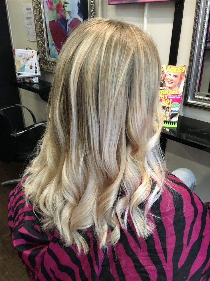 Blonde ombré silver milk_shake hair