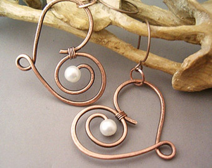 Alambre de cobre de corazón envuelto pendientes - alambre envuelto joyería hecha a mano - alambre envuelto pendientes hechos a mano