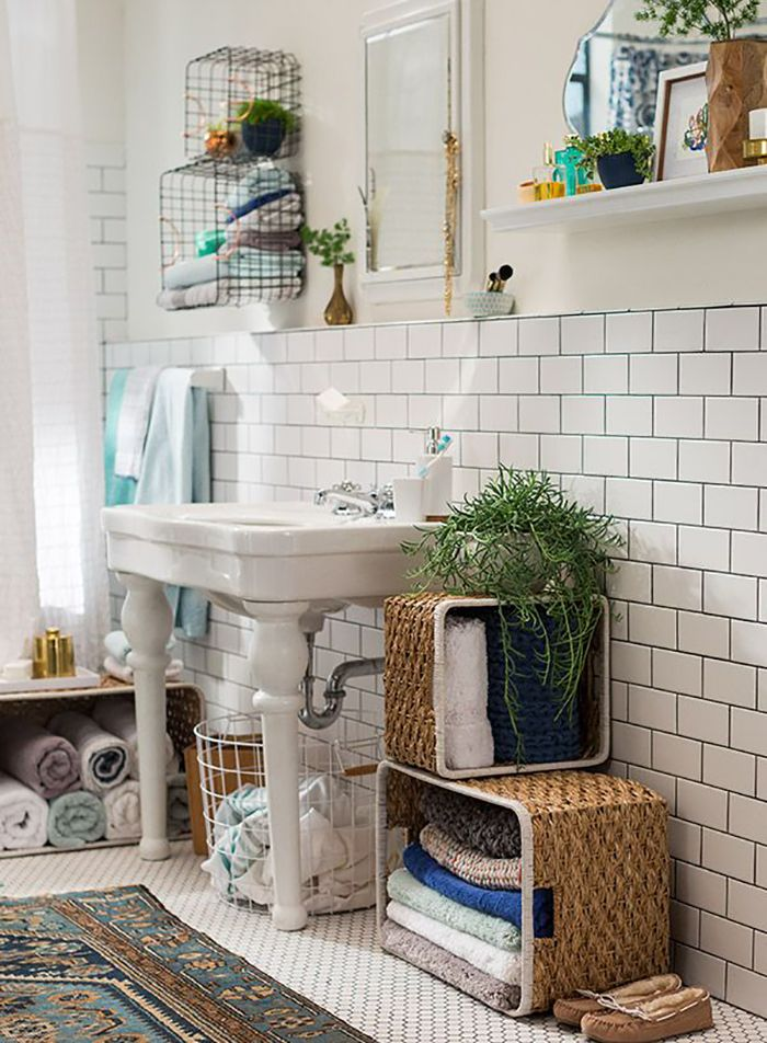 Bathroom Decor Loving all the storage solutions these baskets give this cute  boho vibe bathroom  By flipping baskets on their side and stacking. 1000  ideas about Bohemian Bathroom on Pinterest   Bohemian