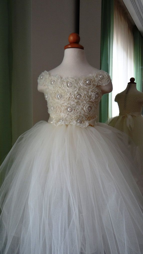 Hey, I found this really awesome Etsy listing at http://www.etsy.com/listing/173676713/flower-girl-dress-flower-girl-tutu-dress