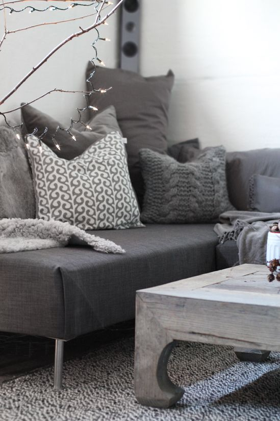 like the wall color with dark gray sofa
