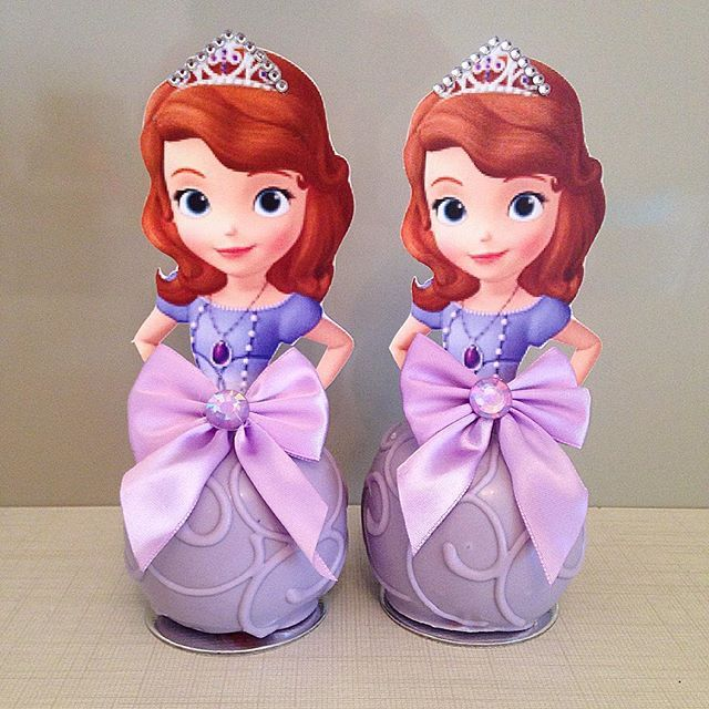 Festa Princesa Sofia da Helena ! #macasdecoradas #princesasofia #festaprincesasofia #temaprincesasofia ...