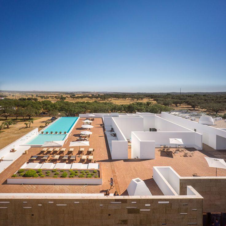 jose carlos cruz arquitecto ecork hotel evora portugal designboom