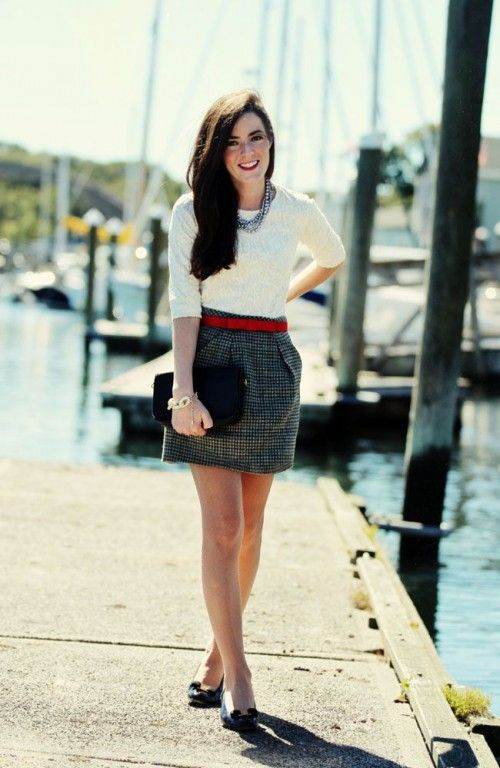 i prefer an above the knee length for skirts and dresses (maybe not this short, though)  16 Stylish Spring 2015 Work Outfits For Girls | Styleoholic