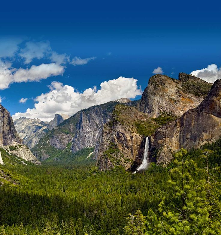 One day I want to take this hike through Yosemite... seems like a brilliant idea... you hike, they provide lodging and food.... for about $1000 TWO people can go for a 5-6 day hike... beautiful!