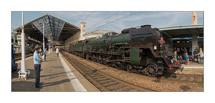 Locomotive 241P17 en gare de Lyon Perrache
