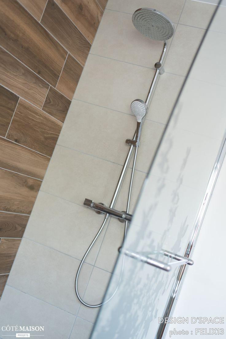 Touche turquoise pour salle de bain spacieuse et lumineuse design dspace côté
