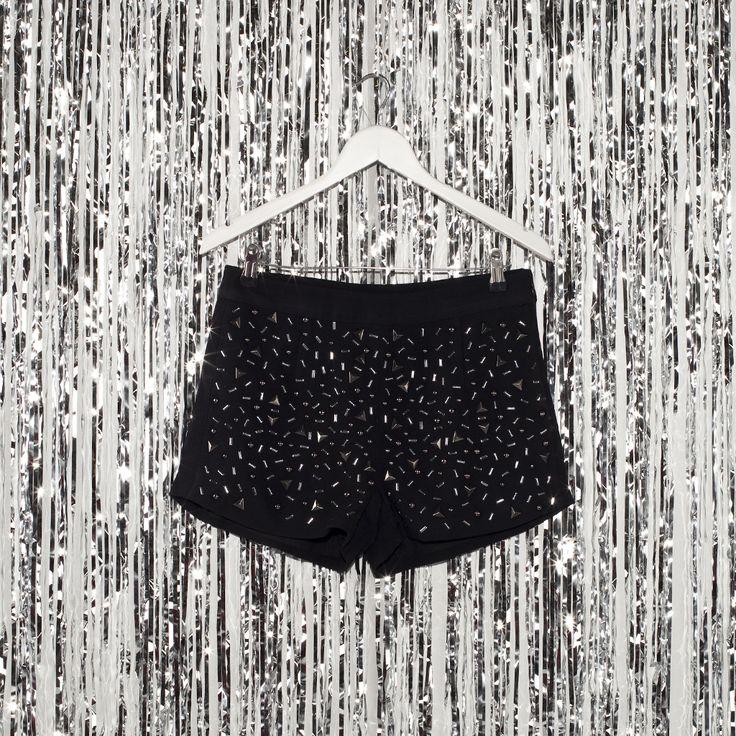 #jeansstore #fallwinter14 #fall #winter #autumn #autumnwinter14 #onlinestore #online #store #shopnow #shop #fashion #womencollection #women #pant #pepejeans #tina #black #regular #fit #zip #zipfly #mediumrise