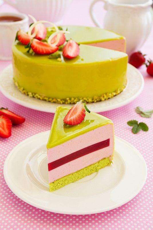 torta mousse fragole e pistacchio