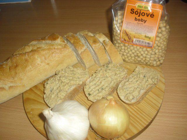 CIMG4095.JPG Sojové boby jsou velmi výživnou potravinou s vysokým obsahem vlákniny, která po