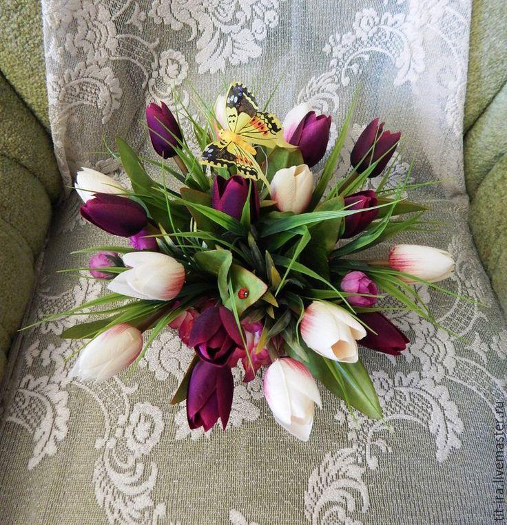 """Купить Интерьерная композиция """"Букет тюльпанов"""" - тёмно-фиолетовый, белый, тюльпаны, розовая гортензия, гортензия"""