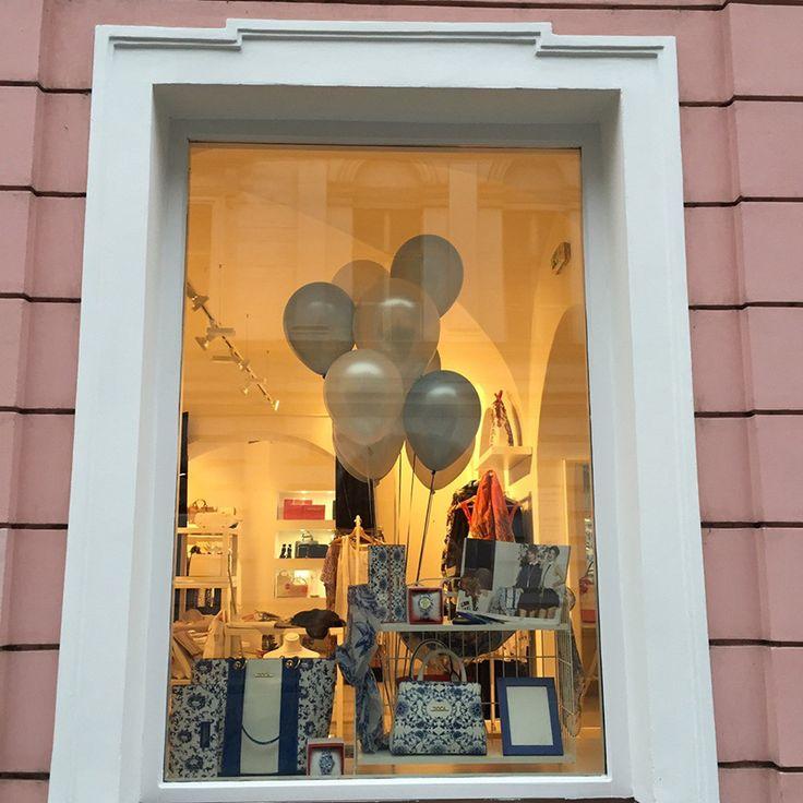 Από τον φετινό Ιούνιο έχεις έναν ακόμα λόγο να επισκεφτείς την αριστοκρατική Πράγα, την πρωτεύουσα της Τσεχίας: Το νέο DOCA Corner άνοιξε τις πόρτες του στην καρδιά της μεσαιωνικής πόλης, έχει κερδίσει ήδη τους λάτρεις τη μόδας και της υψηλής αισθητικής που... περισσότερα στο: https://www.doca.gr/el/nea/234-neo-doca-corner-sthn-praga.html