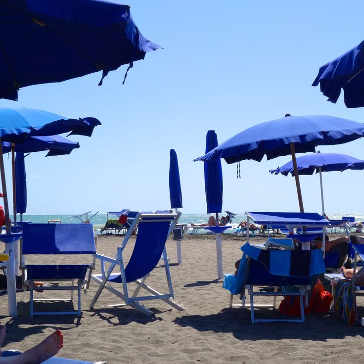 Most of September is warm and beautiful, and beach weather. And the beaches are surprisingly uncrowded. Ostia Beach is only 30 minutes from Rome by train. Aaahh