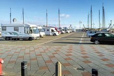 Stellplatz-Tipp in Holland am Hafen des Ijsselmeers - PROMOBIL