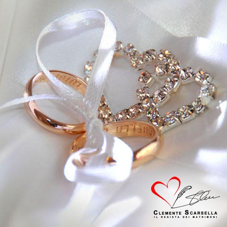Gli anelli nuziali, simbolo di unione nel matrimonio. www.clementescarsella.it