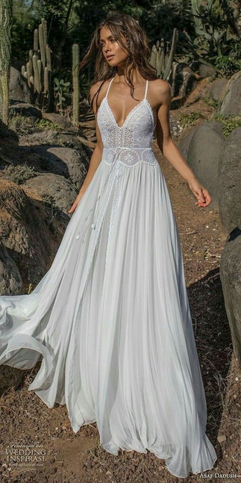 20 Dreamy and Whimsical Boho Beach wedding dresses…