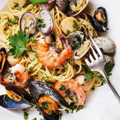 Wie ein Tag am Meer – Pasta mit Meeresfrüchten – manchmal noch besser.  http://einfach-schnell-gesund-kochen.de/meeresfruechte-pasta/