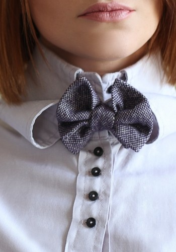 ARM OUT OF THE SUITCASE  #fashion #shirt #photography #sewing #look #accessories #ribbon #bow tie
