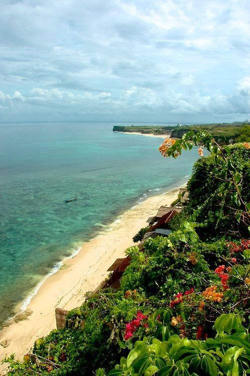 Bingin Coastline, Bali, Indonesia - one of the most beautiful beaches we've visited in Bali.