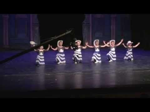 Defne 2015 yılsonu bale gösterisi Samsun AKM Art Center IMG 2319 Meksika dansı - YouTube