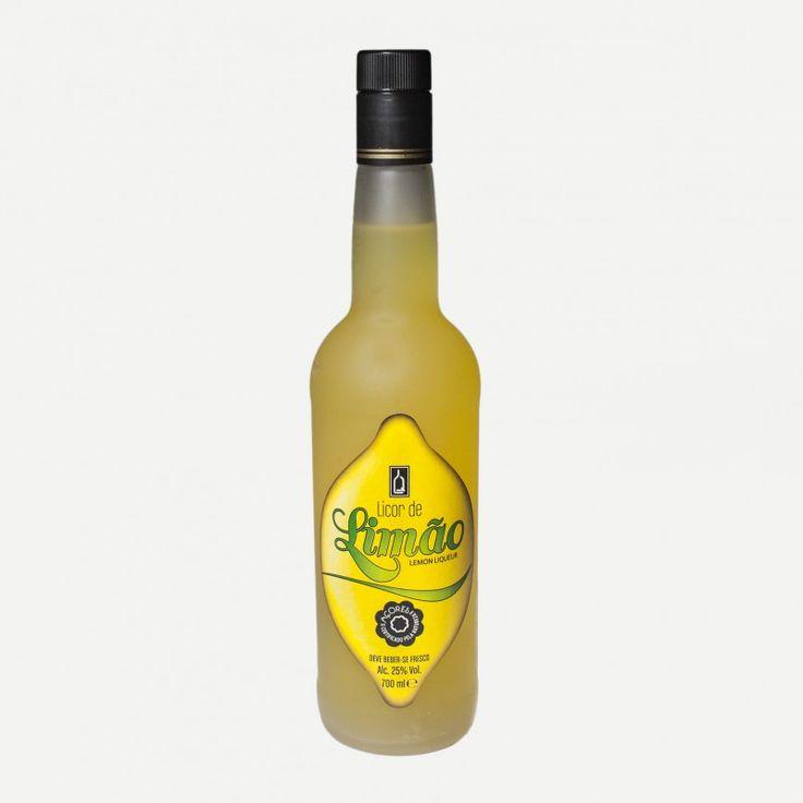 Licor de Limão O Licor de limão da Lima & Quental é genuinamente produzido com os melhores limões da ilha de São Miguel.  Deve ser bebido fresco.  Sem corantes nem conservantes.  Garrafa de 700 ml.  Ingredientes: Água, açúcar, álcool e limão.  Teor Alcoólico: 25% Vol.