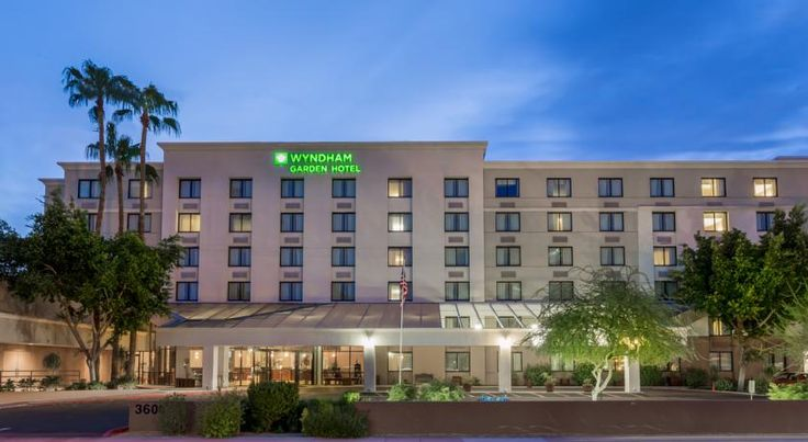 Wyndham Garden Midtown Phoenix Phoenix Within 10 minutes' drive from downtown Phoenix, this smoke free hotel offers easy access to Arizona highways for convenient travel to area points of interest. A free hot breakfast is served daily.
