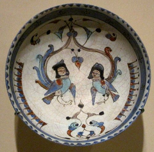 tammuz: Bowl depicting two harpies, winged spirits, from the Seljuq dynasty that ruled Persia, Mesopotamia and parts of Anatolia in the 11th and 12th century CE. The bowl dates back to late 12th - early 13th century CE. With Persian poetry verses on the exterior