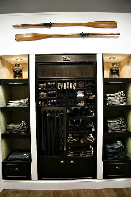 Rodd and gunn clothing store