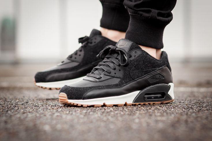 Nike Air Max 90 Premium 'Black Gum'
