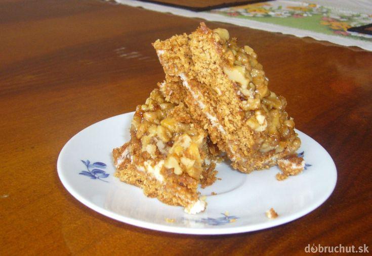 Fotorecept: Orechovo karamelový koláč