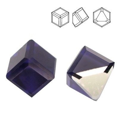 4841 Cube 4mm Purple Velvet  Dimensions: 4mm Colour: Purple Velvet 1 package = 1 piece