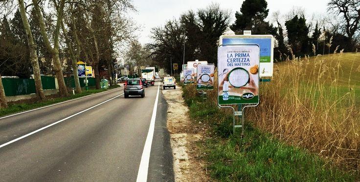 Affissione e stampa di manifesti sequenziali bifacciali committente TRE VALLI. #manifesti #bifacciali #affissioni   Str #Montefeltro #Pesaro, Marche