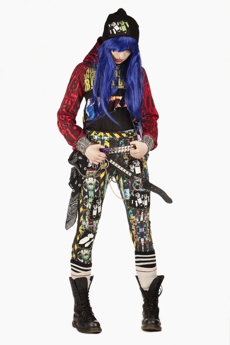 Fashion and Textile Design: Chloe Hood [photographer Justyna Kloch retoucher Liliya Ivanova]