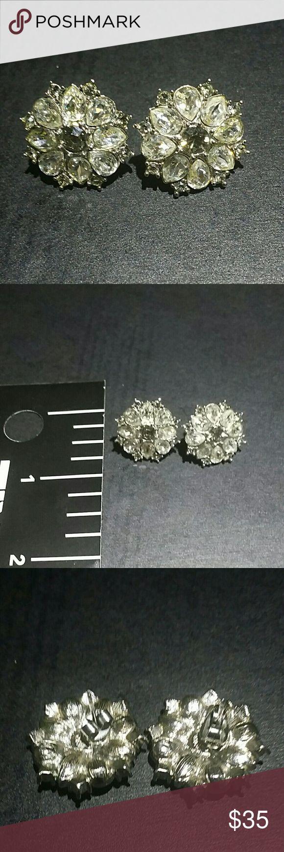 Monet earrings Like new sparkling Cristal earrings Monet Jewelry