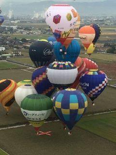始まりましたね 2016佐賀熱気球世界選手権 パイロットの方から頂いた上空からの写真 選手はこんな景色を見ているのだなぁと感動した一枚   日程 公式練習飛行 10月28日30日  熱気球ホンダグランプリ 競技飛行(3日間5フライト) 10月28日30日  熱気球世界選手権 競技飛行  7日間13フライト 10月31日11月6日    tags[佐賀県]