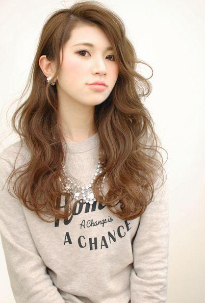 【CARE】大人可愛いかきあげ前髪ロングウェーブヘア | 茶屋町・中崎町の美容室 CARE UMEDAのヘアスタイル | Rasysa(らしさ)