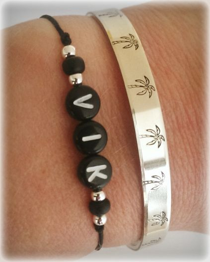 All #black! Zwarte AA kwaliteit letterkralen met mat zwarte #miyuki #kralen en #sterling #silver kralen. #zilver #zwart #sieraden #accessoires #armbandje #fashion