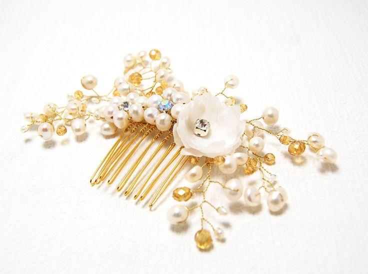 Ivory Haarschmuck, Braut HaarKamm mit Perlen von Hochzeit Fantasie bei Maija auf DaWanda.com