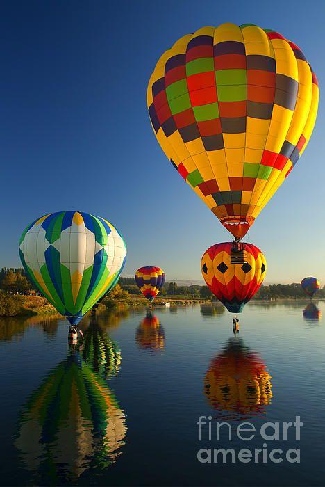 Hot-air balloons over the Yakima River near Prosser, Washington; photo by .Mike Dawson