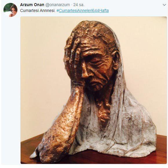 Arzum Onan, 'Cumartesi Anneleri' için heykel yaptı Heykel sanatına yönelen Türkiye eski güzellik kraliçesi Arzum Onan, 'Cumartesi Anneleri' için heykel yaptı. Onan'ın yaptığı heykel beğeni topladı.