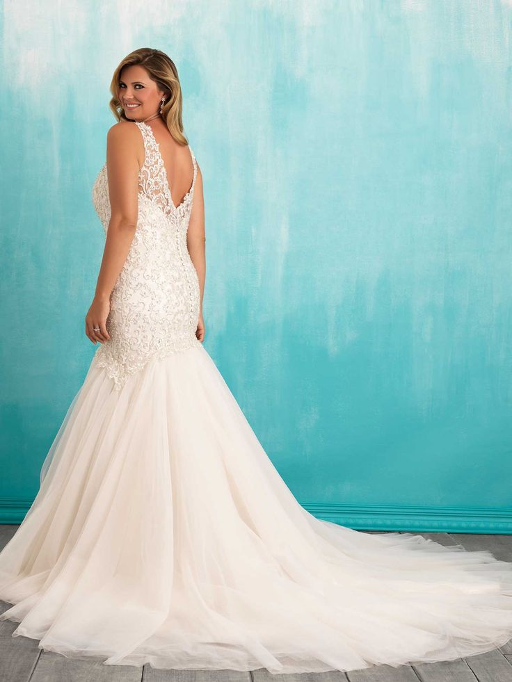9 best Gowns with beautiful back images on Pinterest | Wedding ...
