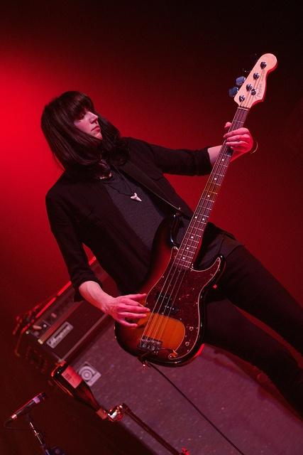 Emma Richardson , Bass Guitar and Vocal for Band of Skulls., via Flickr.