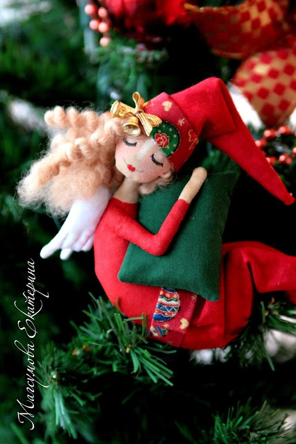 Екатерина Магсумова--- I can't understand a word on this blog but this crafter is amazing.