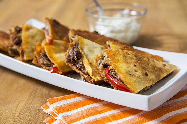 Quesadillas au porc effiloché et haricots noirs