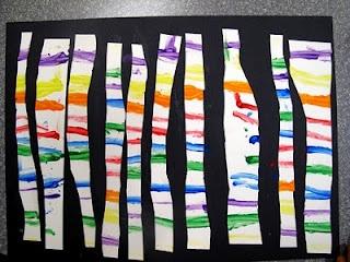 lignes horizontales à la peinture, découpage de bandes verticales et collage en espaçant les bandes sur fond noir