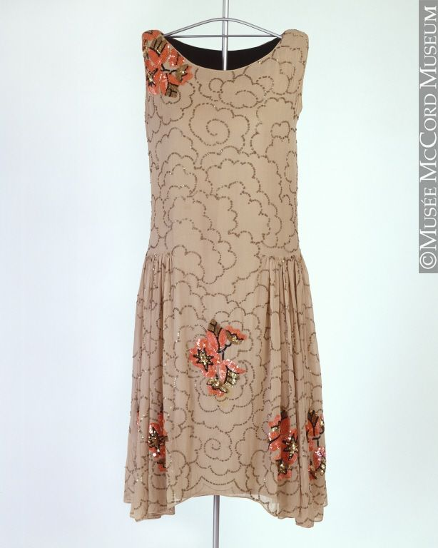 Evening dress About 1928, 20th century 102.5 cm Gift of Margaret Woolls M980.44.1 © McCord Museum