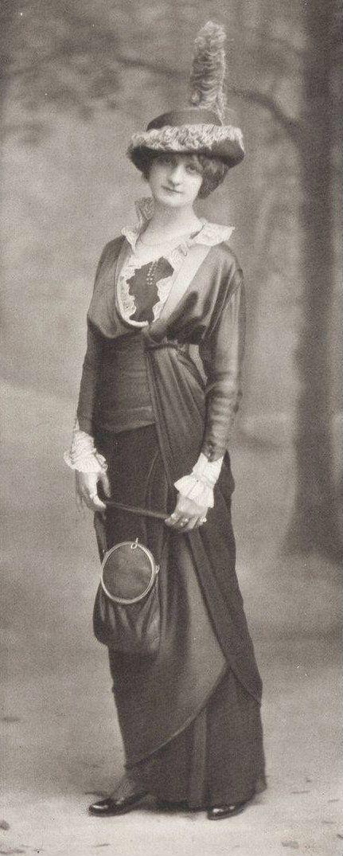 Robe pour l'aprés-midi de Margaine-Lacroix, 1913.