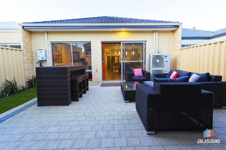 Alfresco backyard entertaining seen in The Reef display home by #AussieLivingHomes #design